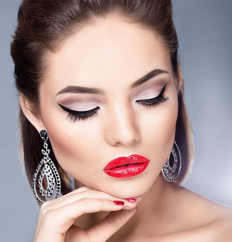 Видео уроки как правильно наносить макияж для начинающих