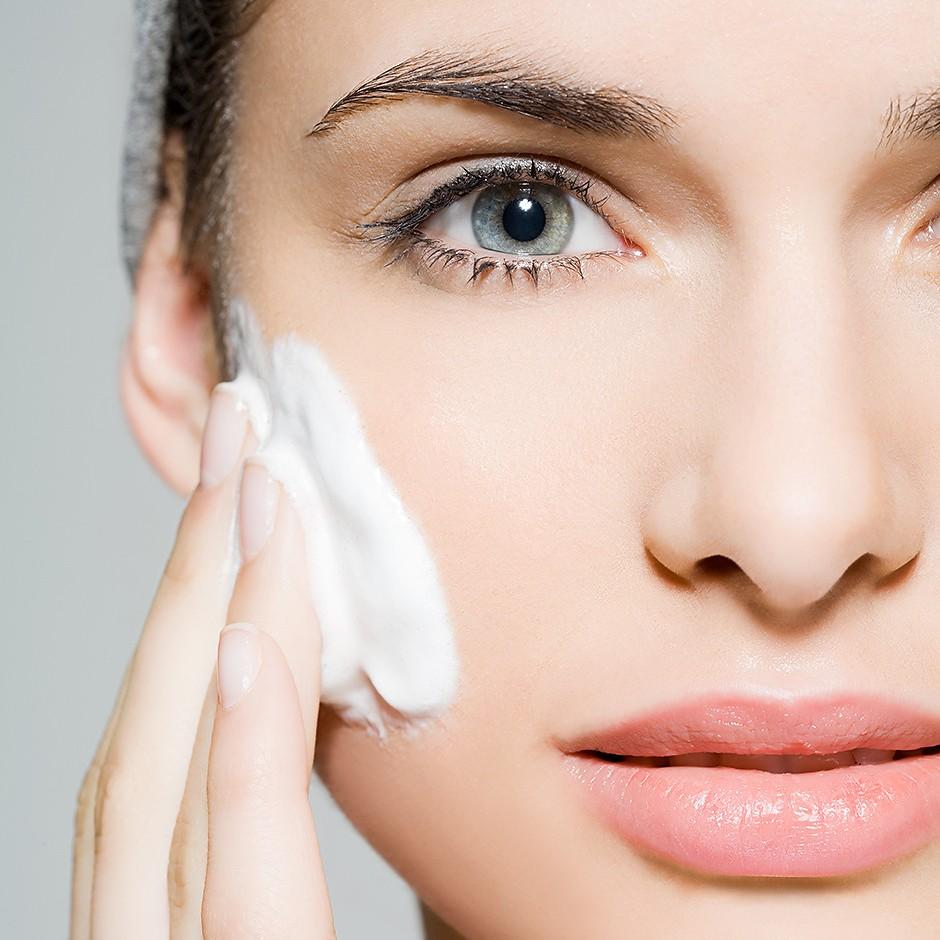 Лучшие тоники для жирной кожи лица