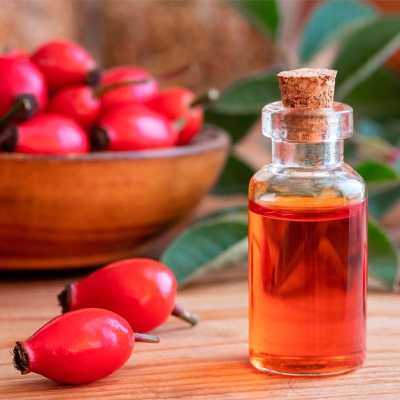 Как использовать масло шиповника при акне: преимущества и побочные эффекты